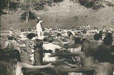 Yogi Bhajan enseigne en Californie au début des années 70.