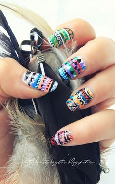 Little Beauty Bag: Tribal Nails - Colab by eursalas
