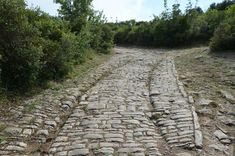 Roman Road in Ambrussum (by Carole Raddato) -- Ambrussum is a magnificent Gallo-Roman archaeological site which has revealed an exceptional collection of buildings from the Gallic and Roman periodsÉ Roman Chariot, Roman Roads, History Encyclopedia, Michigan State University, Chicago Style, Old Street, Provence France, History Photos, Archaeological Site