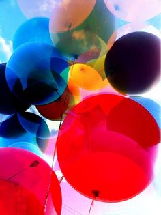 SUNNY DAY - balloons - angle, colors - use translucent ballons. Need the sun