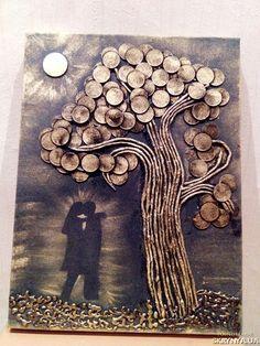 Картина из монет, двое влюбленных