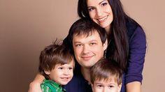 Zázraky sa dejú! Keď si bezdetní manželia adoptovali dvojičky, zostali v…