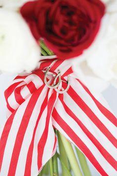 horseshoe bouquet charm | Patricia Lyons #wedding