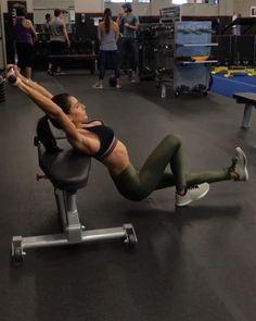 """""""Mi piace"""": 11.8 mila, commenti: 200 - Alexia Clark (@alexia_clark) su Instagram: """"Full Body Cable Workout! 1. 12 Reps each side 2. 15 Reps each side 3. 12 Reps each side 4. 10…"""""""