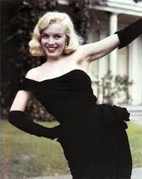 """Marilyn Monroe in It was a pivotal year for her. Marilyn stood out in small but important roles in """"The Asphalt Jungle,"""" and """"All About Eve."""" Hollywood was taking notice. Glamour Hollywoodien, Hollywood Glamour, Old Hollywood, Fotos Marilyn Monroe, Estilo Marilyn Monroe, Marilyn Monroe Movies, Actrices Hollywood, Norma Jeane, Vintage Beauty"""