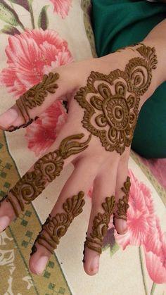 Traditional Arabic Henna Tattoos by Nuzhath Ideas