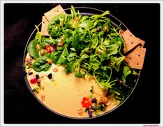 Salata cu hummus Seaweed Salad, Hummus, Thai Red Curry, Ethnic Recipes, Food, Salads, Essen, Meals, Yemek