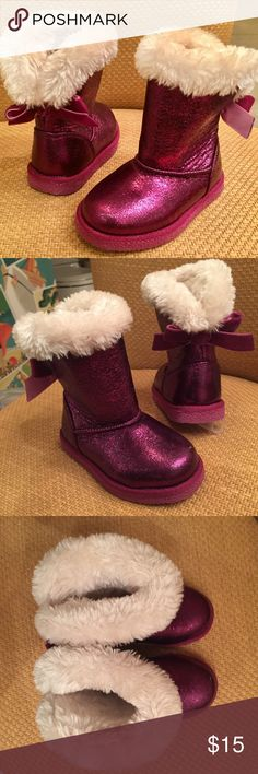 NORDSTROM  PINK METALLIC FUR LINED BOOTS Toddler 6 Never worn pink magenta warm fuzzy fur lined boots.  All man made.  Bow on back.  Toddler baby gurl size 6.  Runs a bit small in my opinion. Nordstrom Shoes Boots