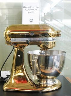What else for a dream kitchen but a beautiful gold-plated KitchenAid mixer! Home Design Decor, House Design, Kitchen Dining, Kitchen Decor, Gold Kitchen, Eclectic Kitchen, Kitchen Interior, Kitchen Gadgets, Kitchen Appliances