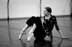 Svetlana Zakharova in the studio Svetlana Zakharova, Bolshoi Theatre, Bolshoi Ballet, Ballet Dance Photography, Margot Fonteyn, Dance Dreams, Male Ballet Dancers, American Ballet Theatre, Russian Ballet
