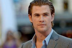 Pin for Later: Les Meilleurs Moments Tapis Rouge de Chris Hemsworth