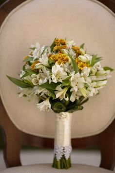 Buque | Buque branco e amarelo | Bouquet |White Bouquet | Yellow Bouquet | Yellow Bridal Bouquet | Inesquecível Casamento | Noiva | Bride | Buquê de Noiva