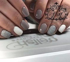 just like the Kardashian/Jenner clan) loves the be ~in the buff~. Her long, nude nails look simply stunning. Advertisement