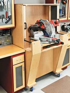 Excellent Table Saws, Miter Saws And Woodworking Jigs Ideas. Alluring Table Saws, Miter Saws And Woodworking Jigs Ideas. Must Have Woodworking Tools, Woodworking Tools For Beginners, Woodworking Workbench, Woodworking Projects, Miter Saw Stand Plans, Wood Top Workbench, Woodworking Jewellery Box, Woodsmith Plans, Mitre Saw Station