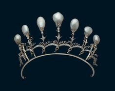 Diadem of gold, silver, diamonds and natural pearls - Chaumet, Paris, 1897. Qatar Museum Authority ©