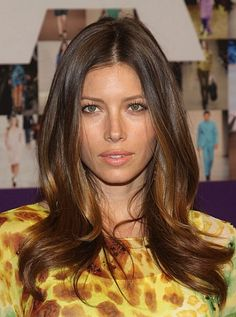 """FOR HEART FACES: LONG, LAYERED WAVES """"You want a few pieces of hair to fall in the area between the ears and the nose to offset the width of the 'heart,' and you want the longer layers to fill in around the chin,"""" McMillan says. And any waviness should be kept from the ears down, as it is on Jessica Biel here. """"Fullness on top only emphasizes the point at the bottom,"""" he explains."""