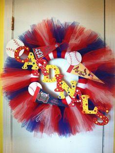Items similar to St Louis Cardinals Tulle Wreath (Handmade) on Etsy Baseball Wreaths, Sports Wreaths, Tulle Crafts, Diy Crafts, Homemade Wreaths, Tulle Wreath, St Louis Cardinals, Door Hangers, Door Wreaths