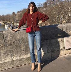 Get thin stomach learn how to tone your body! Photo Entre la poire et le fromage April 14 2019 at Jeanne Damas, Parisian Chic Style, Paris Chic, Parisienne Style, Look Retro, French Girl Style, Casual Outfits, Fashion Outfits, Style Fashion