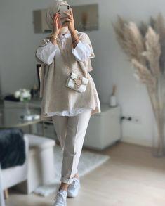 Hijab Fashion Summer, Modest Fashion Hijab, Modern Hijab Fashion, Street Hijab Fashion, Modesty Fashion, Hijab Fashion Inspiration, Muslim Fashion, Girls Fashion Clothes, Fashion Outfits