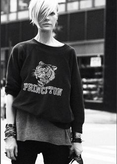 Cool girl fashion goals.