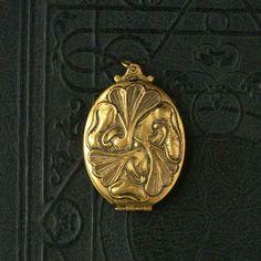 Vintage Art Nouveau Locket. Oversize. Biomorphic. Leaves. Aquatic.