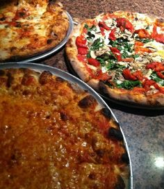 Try different kinds of Pizza in their place of origin - Chicago, New York, Italy, and more places if I can find them. Pizza Pizza, Big Pizza, Pizza Menu, Large Pizza, Pizza Food, Pizza Party, My Favorite Food, Favorite Recipes, Favorite Things