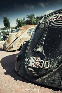 VW Bug fucking slammed