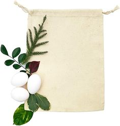 These 100% cotton organic muslin favor bags make for an eco-friendly way to package confetti almonds, treats, or trinkets for your guests.  #EcoFriendlyFavorBags #OrganicMuslinFavorBags #WeddingFavorBags