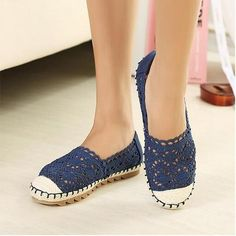 Item Type: FlatsFlats Type: BasicLining Material: SyntheticClosure Type: Slip-OnInsole Material: RubberOccasion: CasualUpper Material: Mesh (Air mesh)Toe Shape:
