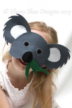 Create your own, cute and cuddly, easy to sew felt Koala Mask with our sewing pattern, a few pieces of felt and some hat elastic. Animal Masks For Kids, Mask For Kids, Koala Costume, Preschool Crafts, Crafts For Kids, Colegio Ideas, Bear Mask, Book Week Costume, Kids Dress Up