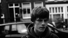 #JakeBugg - #LightningBolt - Official Video  They say you gotta toe the line, they want the water not the wine But when I see the signs I jump on that lightning bolt