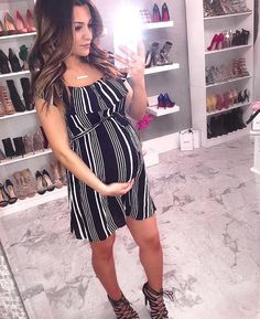 2 de septiembre - Diy and crafts interests Cute Maternity Outfits, Stylish Maternity, Maternity Wear, Maternity Fashion, Maternity Dresses, Maternity Pictures, Pregnancy Wardrobe, Pregnancy Outfits, Pregnant Model