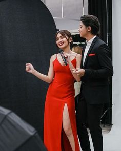 The greatest happiness of life is the conviction that we are loved. Kathryn Bernardo Hairstyle, Kathryn Bernardo Outfits, Debut Themes, Simple Gowns, Daniel Padilla, Red Gowns, Ulzzang Couple, Couple Outfits, Queen