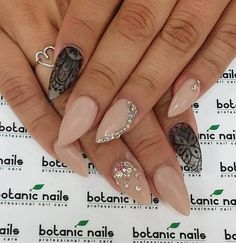 If you have a good manicure at a nail on both hands draw different patterns as illustrated. It is always interesting and somehow mystical, doesn't it?