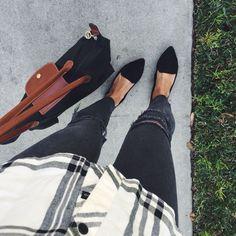 black loafers | pursuitofshoes.com