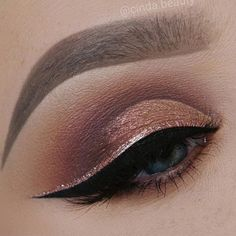 Rose Gold 25 GORGEOUS EYE-MAKEUP LOOKS FOR BLUE EYES - Fashion Is My Petition