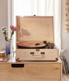 What's on your playlist today? #UOHome @UrbanOutfittersHome