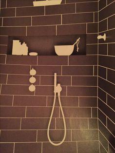 Bygg en nisje i dusjveggen, sparer plass