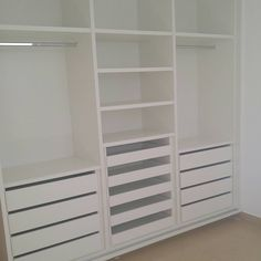 Bedroom Cupboard Designs, Bedroom Closet Design, Room Ideas Bedroom, Home Room Design, Bedroom Cupboards, Bedroom Built In Wardrobe, Closet Built Ins, Bedroom Wardrobe, Closet Remodel