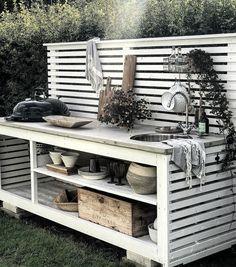 backyard designs – Gardening Ideas, Tips & Techniques Outdoor Sinks, Diy Outdoor Kitchen, Outdoor Rooms, Outdoor Dining, Outdoor Decor, Mesa Exterior, Modern Exterior, Exterior Paint, Exterior Cladding