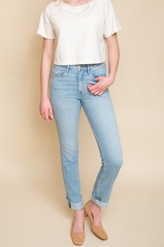 3x1 W4 DIY Straight features a super high rise and a slim straight leg. Features interior measurements so you can easily DIY crop the jean to your desired length. Features a frayed hem. Altered jeans