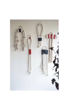 Mini wall hangings with natural cotton rope and black or red