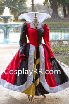 Queen of Hearts Villains Custom Costume Dress Gown by - Cosplay / Halloween Villain Costumes, Disney Costumes, Cosplay Costumes, Tutu Costumes, Party Costumes, Queen Of Hearts Alice, Queen Of Hearts Costume, Red Queen Costume, Costume Halloween