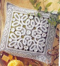 Almofadas em Crochê Irlandês. Fonte: http://crocheetricodafri-friscrochet-tricot.blogspot.com
