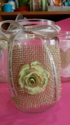 Βαζάκι με λινατσα και χάρτινο λουλούδι