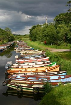 Getting ready for the Ireland trip. One of the canals in Killarney National Park, Killarney, Ireland (by hamerek) Love Ireland, Ireland Travel, Le Connemara, Reserva Natural, Irish Roots, Irish Blessing, Luck Of The Irish, Emerald Isle, To Infinity And Beyond