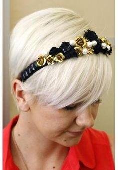 Tiara de cabelo ao estilo Dolce & Gabbana - VilaMulher