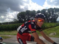 Eneco Tour @PhilippeGilbert / Back in the peloton after some mechanical problems.