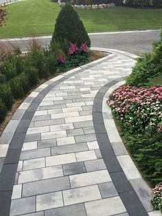 38 fantastic walkway design ideas for the front yard landscaping . - 38 fantastic walkway design ideas for the front yard landscape 29 Front Yard Walkway, Front Yard Landscaping, Landscaping Ideas, Mulch Landscaping, Walkway Ideas, Pavers Ideas, Patio Ideas, Paver Walkway, Front Yards