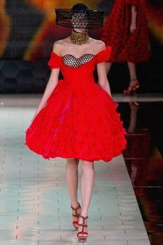 Alexander McQueen S/S 2013 | Trendland: Fashion Blog & Trend Magazine